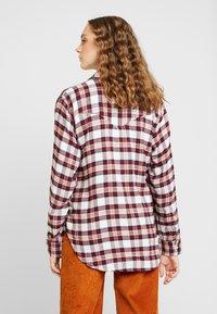 Levi's® - DORI WESTERN SHIRT - Button-down blouse - patridge herringbone_v2 sandshell - 2