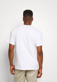 Nike SB - LOGO UNISEX - Printtipaita - white/black - 2