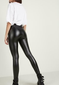 Tezenis - THERMO - Leggings - Trousers - nero - 1