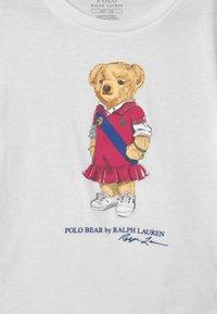 Polo Ralph Lauren - BEAR - Triko spotiskem - white - 2