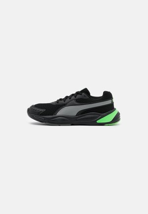 90S RUNNER UNISEX - Neutral running shoes - black/green/grey