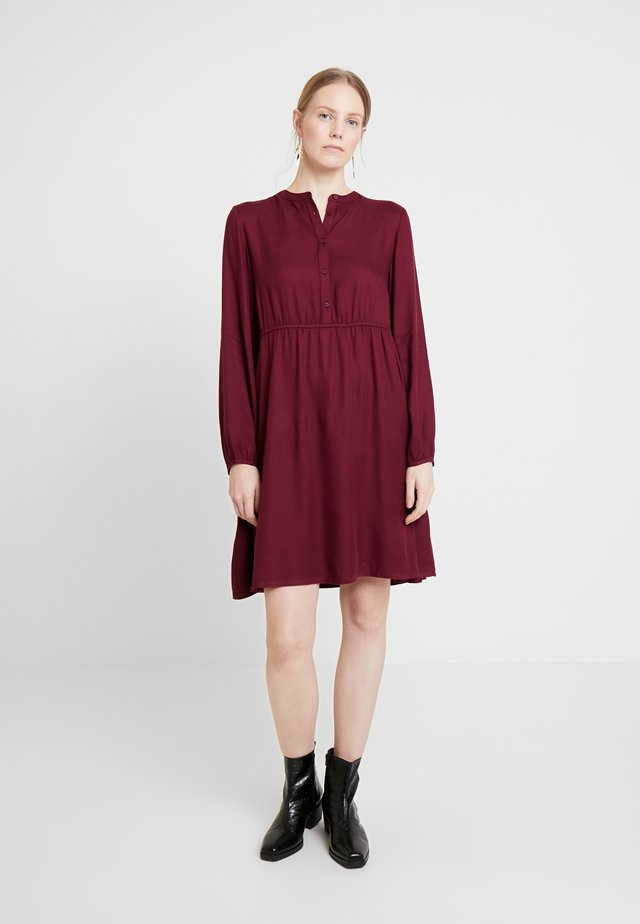 SHORT EASY BUTTON DRESS - Paitamekko - deep burgundy red