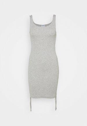 NMSTINE ROUCHING DRESS - Pouzdrové šaty - light grey melange