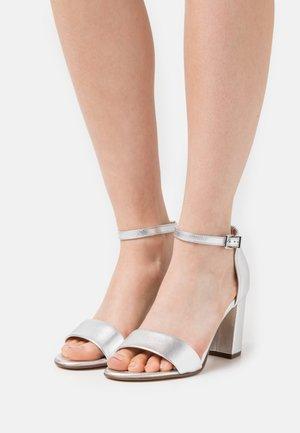 ADILIA - Sandals - silber corfu