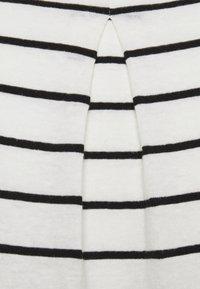 Opus - SILEIKA - Print T-shirt - white/black - 2