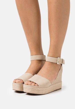 LILLIAN - Platform sandals - bone