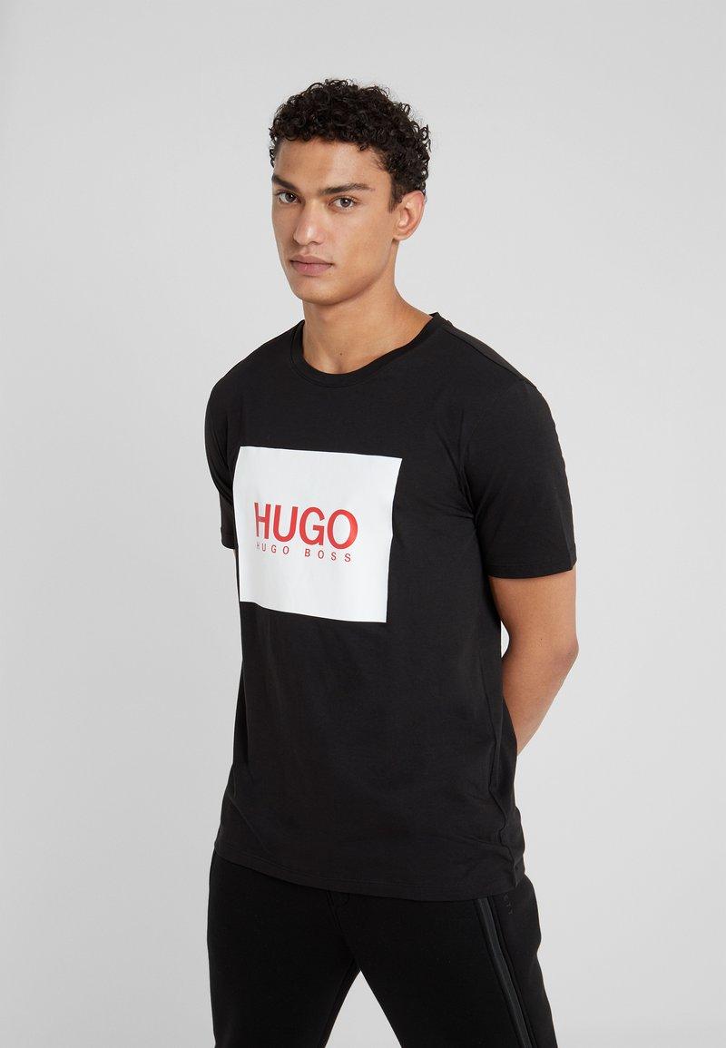 HUGO - DOLIVE - T-shirt med print - black