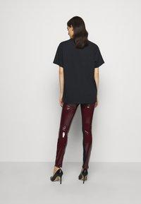 KARL LAGERFELD - KARL ROCK STAR TEE - Print T-shirt - black - 2