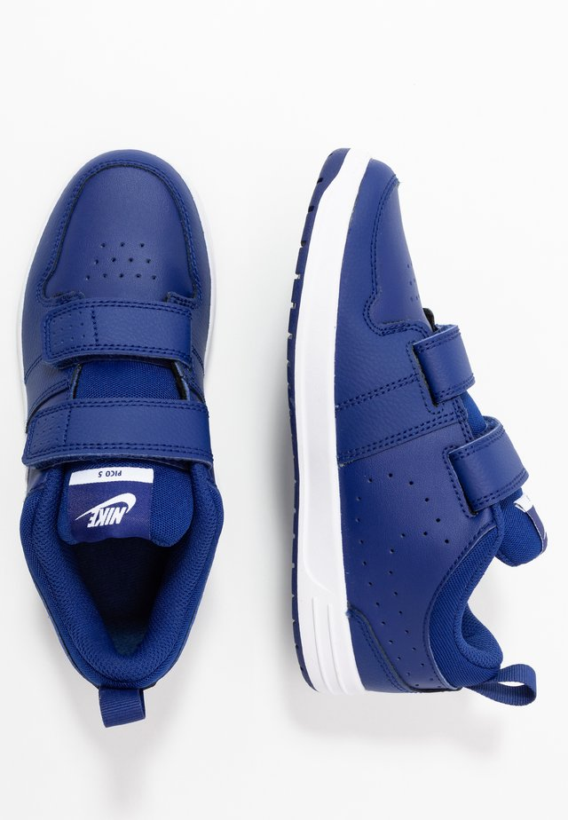 PICO 5 - Zapatillas de entrenamiento - deep royal blue/white