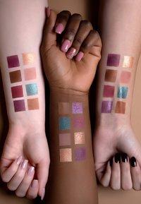 Luvia Cosmetics - MYSTIC LAGOON EYESHADOW PALETTE - Palette occhi - - - 6