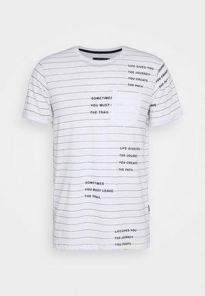 ECHOLS - T-shirt imprimé - optical white