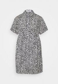 Missguided Maternity - SMOCK DRESS DALMATIAN - Košilové šaty - white - 0