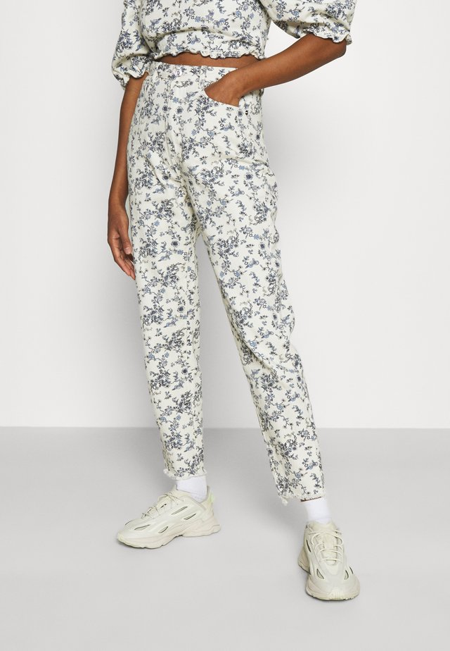FLORAL RIOT - Jeans baggy - white