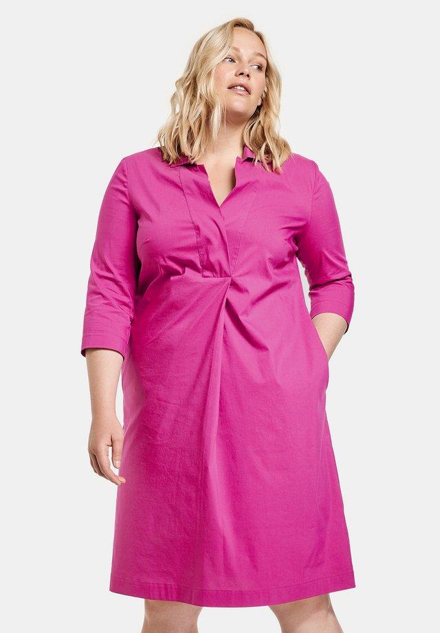 Korte jurk - electric magenta