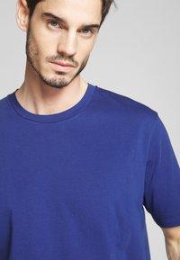 Scotch & Soda - CLASSIC CREWNECK TEE - T-shirt basic - worker blue - 3