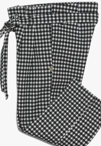 Scotch & Soda - WIDE LEG FIT PAPER BAG WAIST PANTS IN STRUCTURED CHECK - Trousers - black/white - 3