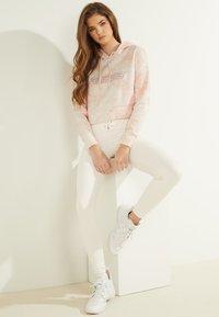Guess - Sweatshirt - rose - 2