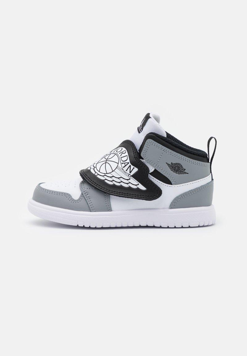 Jordan - SKY 1 UNISEX - Basketball shoes - white/black/particle grey
