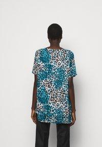 DKNY - Print T-shirt - ivory gemstone/black/multi - 2