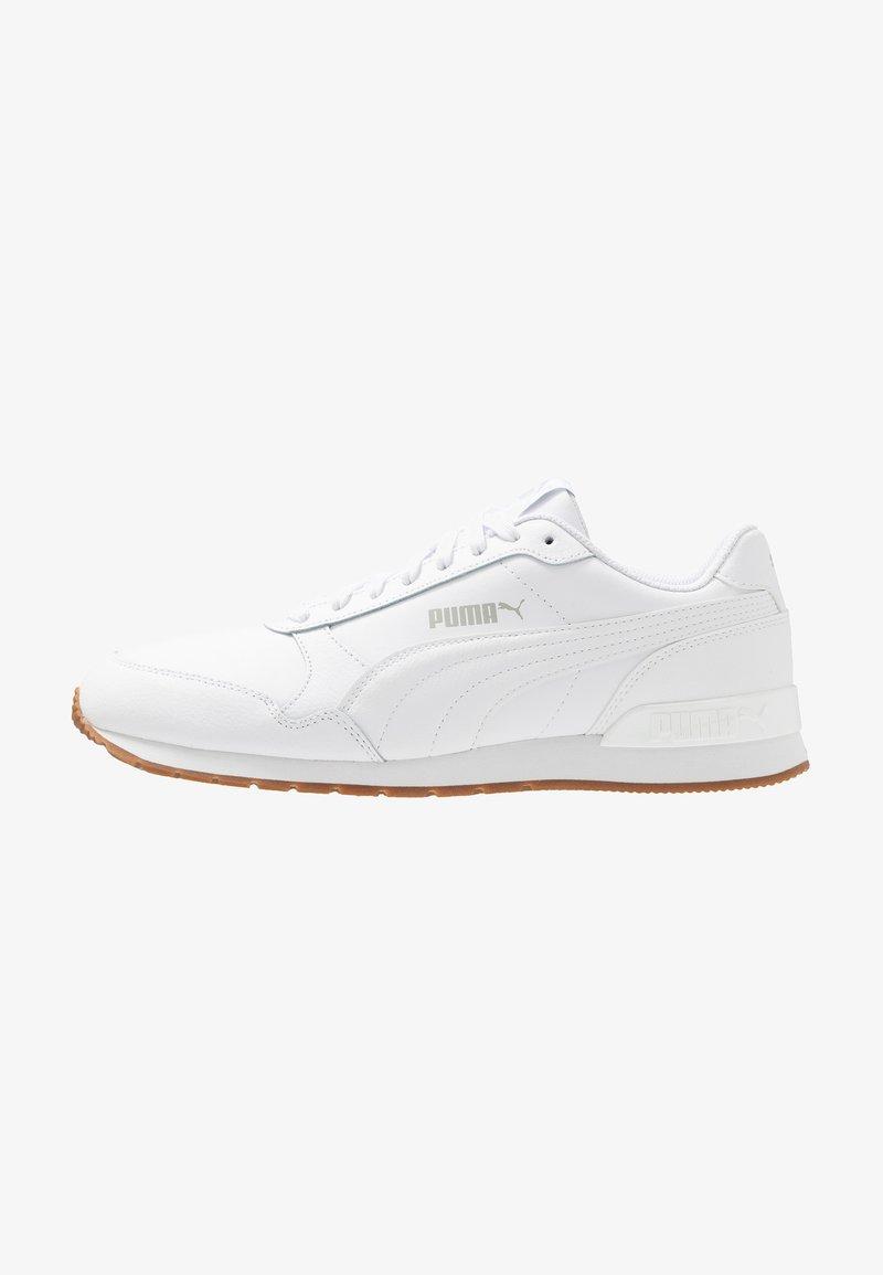 Puma - ST RUNNER V2 FULL UNISEX - Trainers - white/gray violet
