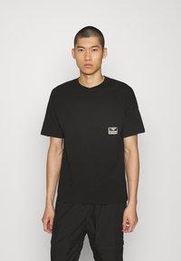Hummel Hive - BEACH BREAK - T-shirts - black - 0