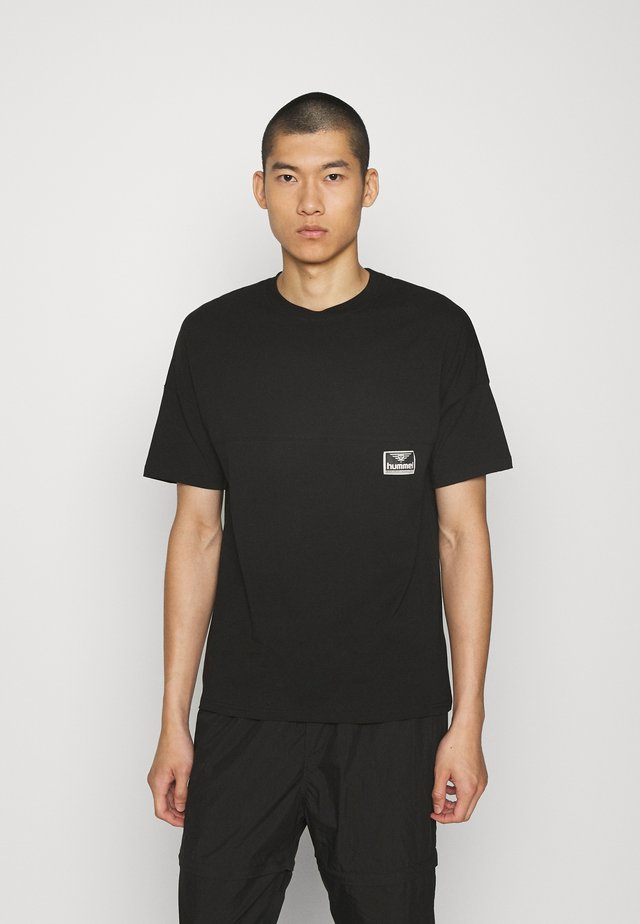 BEACH BREAK - Basic T-shirt - black