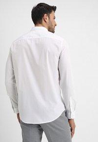 Zalando Essentials - Formal shirt - white - 2