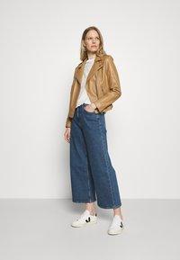 Esprit - NEW WIDE LEG - Flared Jeans - blue medium wash - 1