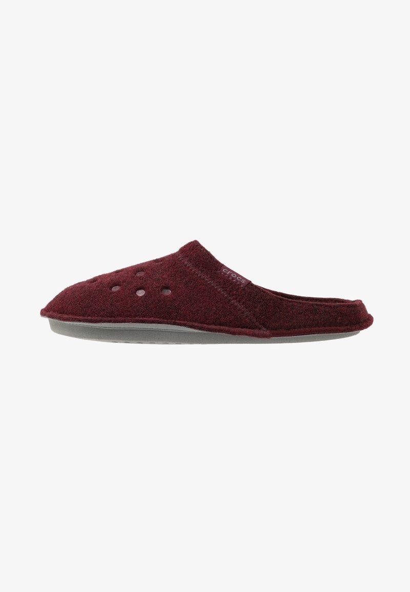 Crocs - CLASSIC - Slippers - burgundy