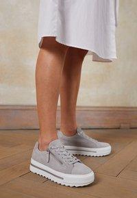 Gabor Comfort - Sneakers laag - light grey - 4