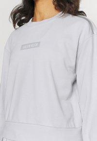 Calvin Klein Performance - Sweatshirt - antique grey - 4