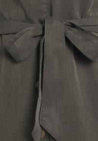Vero Moda - VMVIVIANA  - Vestido camisero - beluga - 2