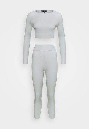 LOVE SLEEVE AND HIGH WAISTED SET - Leggings - Trousers - grey
