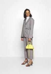 Who What Wear - SIDE TIE - Blazer - grey - 1