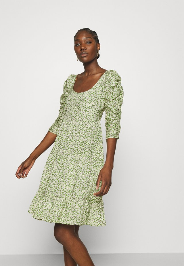 DELICATE TIEBAND DRESS - Robe d'été - green garden