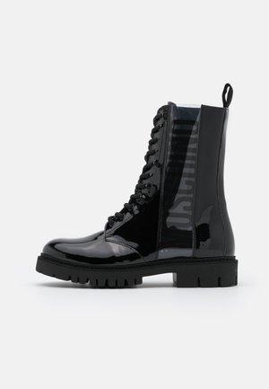 Šněrovací kotníkové boty - fantasy