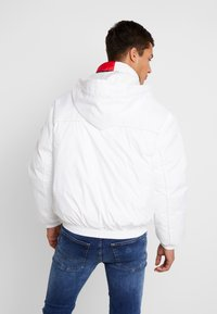 Tommy Jeans - BRANDED COLLAR JACKET - Winterjas - classic white - 3