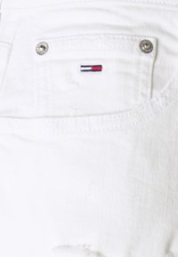 Tommy Jeans - MOM ULTRA - Relaxed fit jeans - white denim - 2