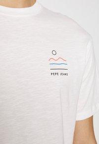 Pepe Jeans - SEWARD - Print T-shirt - optic white - 4
