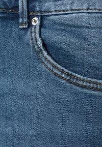 Vero Moda Curve - VMSOPHIA  - Jeans Skinny Fit - medium-blue denim - 2