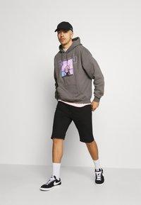 Mennace - NOTHING BUT NET HOODIE - Sweatshirt - grey - 1