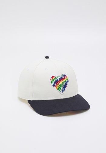 PRIDE BASEBALL HAT UNISEX - Kšiltovka - white