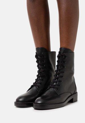 SONDRA SHINE BOOTIE - Veterboots - black