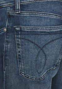 Calvin Klein Jeans - STRAIGHT FIT - Straight leg jeans - denim dark - 2