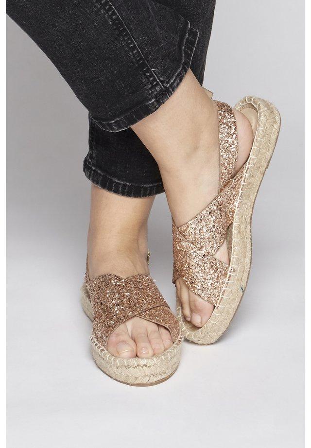IALIRUM - Platform sandals - gold