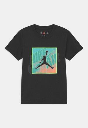 PATCH OVER - Print T-shirt - black
