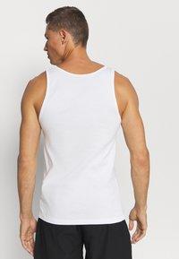 Pier One - 5 PACK - Undershirt - white - 2