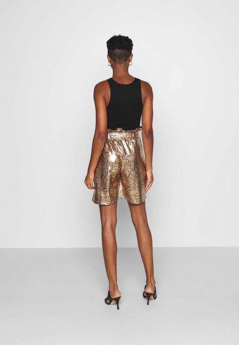 KENDALL + KYLIE - BERMUDA - Shorts - marigold