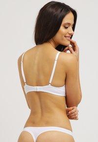Triumph - BODY MAKE-UP ESSENT W - Underwired bra - white - 2