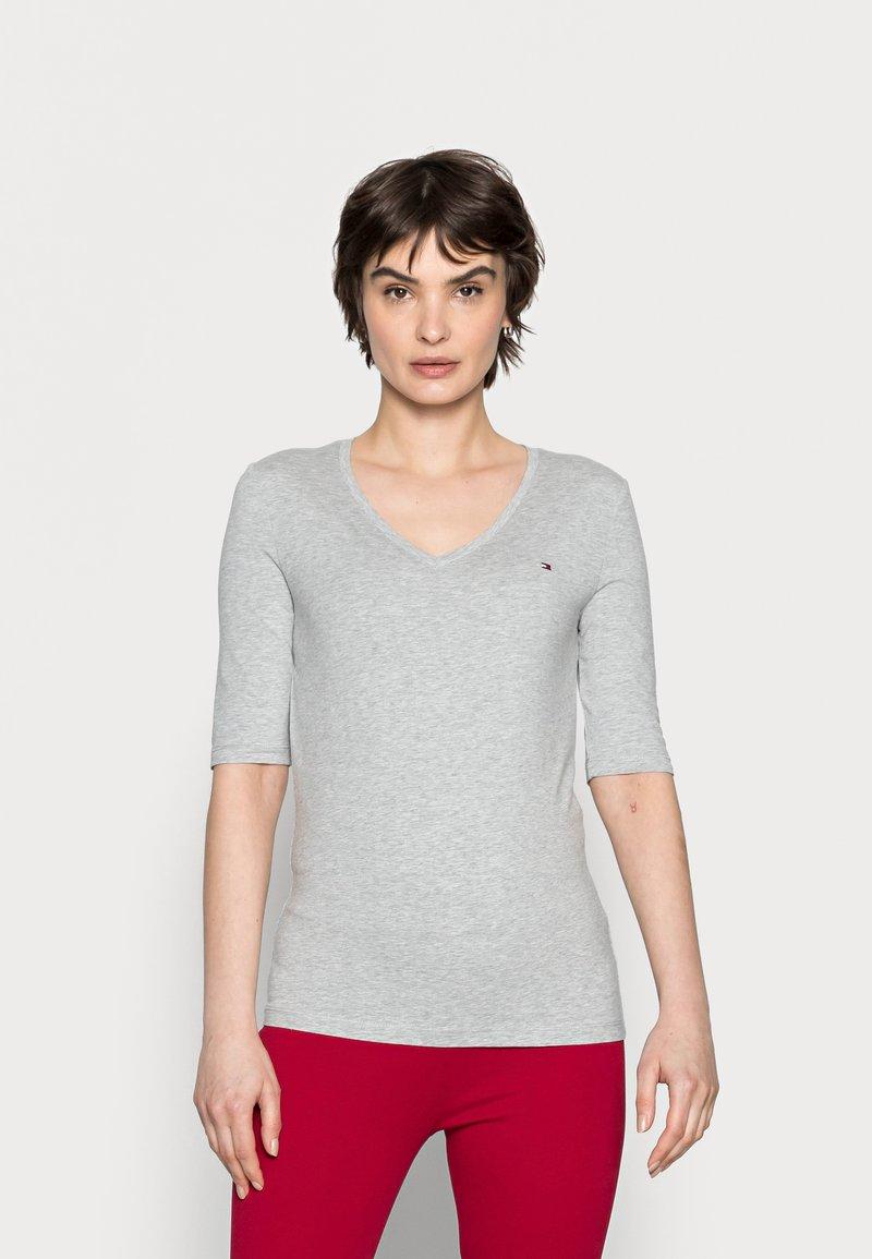 Tommy Hilfiger - Basic T-shirt - light grey heather